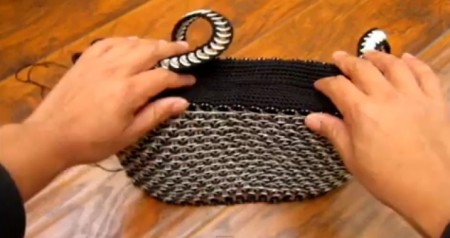Bolso con anillas de latas - modelo 2