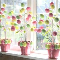 Arbolitos de Pascua hechos a mano