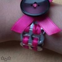 Pulsera con anillas y botón