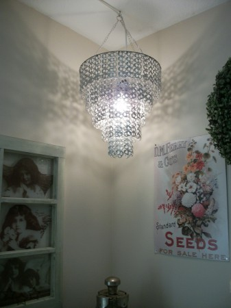 Pantalla para lampara de techo con anillas de latas