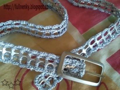 Cinturón con anillas de latas