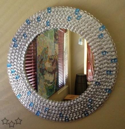 Marco para espejo reciclado con anillas de latas