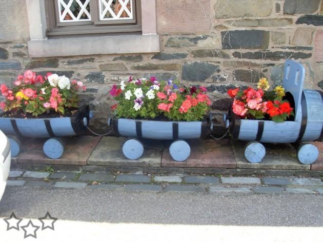 Decorar el jard n con materiales reciclados - Decorar el jardin ...