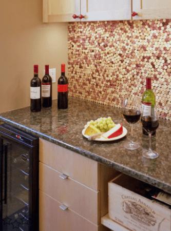 Decorar la pared de la cocina con corchos - Decorar las paredes de la cocina ...