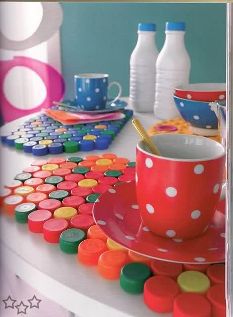 Manualidades con tapas de botellas de plastico imagui - Manualidades con tapones de plastico ...