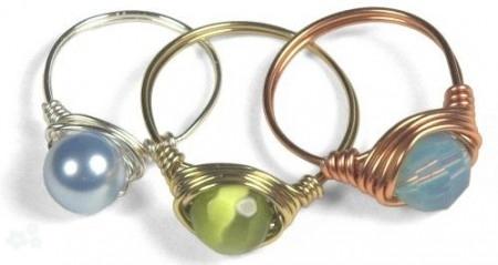 bisutería con alambre anillos con cristales