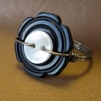 bisuteria con botones - anillo