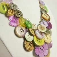 bisuteria con botones - collar 2