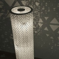 lampara con envases tetra