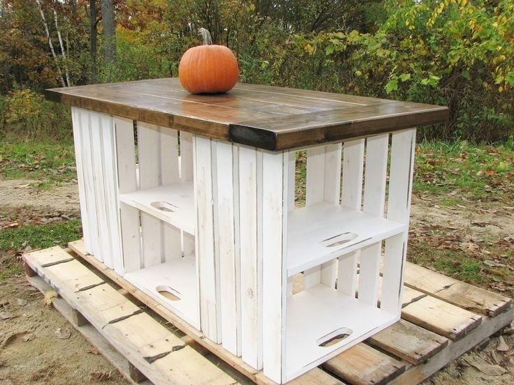 mesa reciclada con cajas de madera