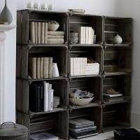 Libreria reciclada con cajas de madera